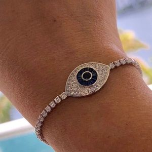 Gorgeous 18k white gold plated evil eye bracelet